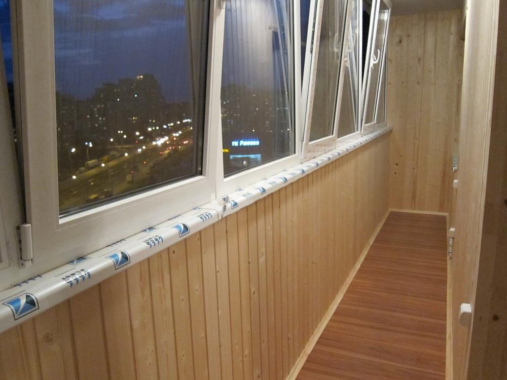 Цена пластиковых окон на балконе 6 метров.